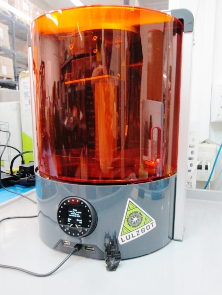 Photograph of an Autodesk Ember 3d DLP printer that was used to test the Monkeyprint DLP software